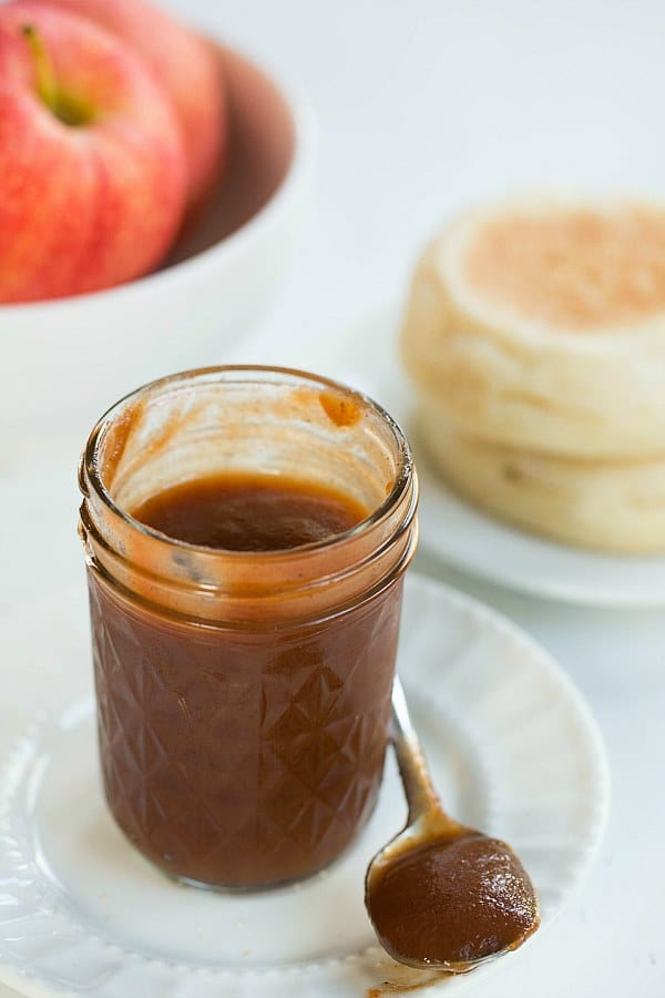 Slow Cooker Apple Butter Recipe by @browneyedbaker :: www.browneyedbaker.com