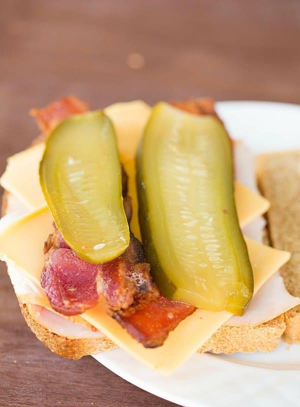 Dill Sandwich Pickles by @browneyedbaker :: www.browneyedbaker.com