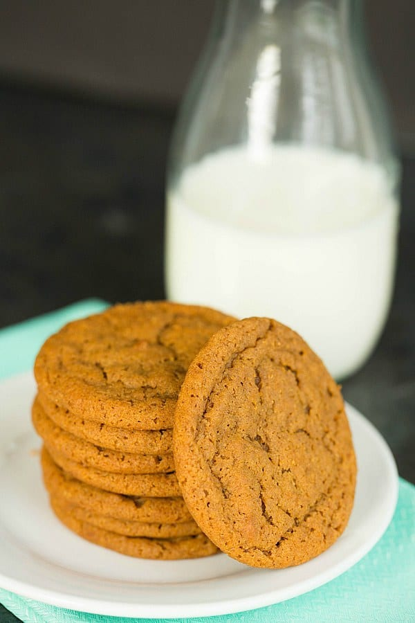 Soft and Chewy Gingersnap Cookies by @browneyedbaker :: www.browneyedbaker.com #recipe