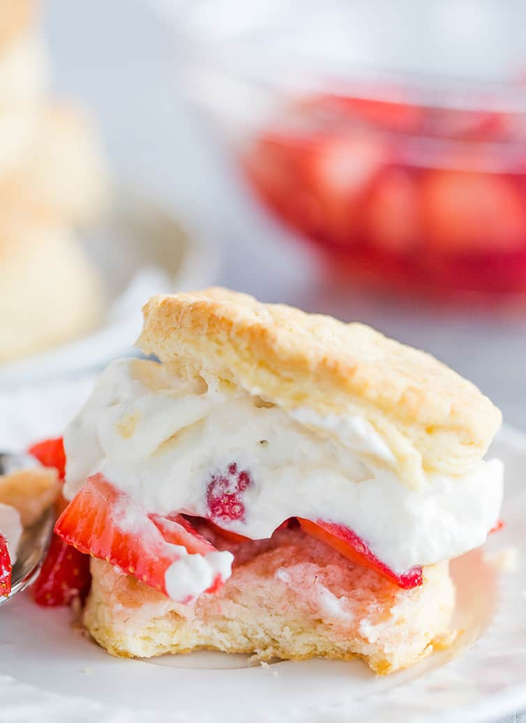 Recipe EASY STRAWBERRY SHORTCAKE