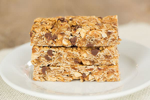 Chewy Peanut Butter-Chocolate Chip Granola Bars - Super easy and so much better than store-bought! | browneyedbaker.com