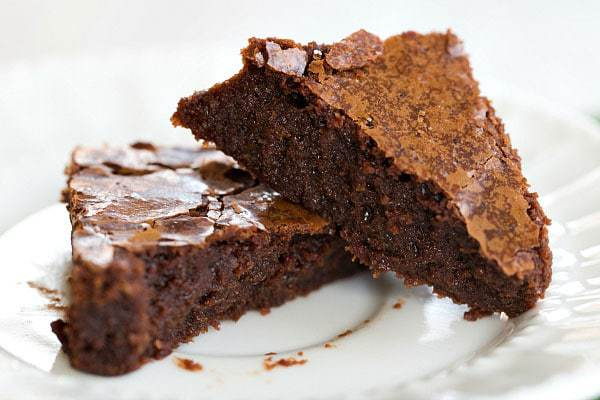 Guinness Brownies - An easy dessert for your St. Patrick's Day festivities! | browneyedbaker.com