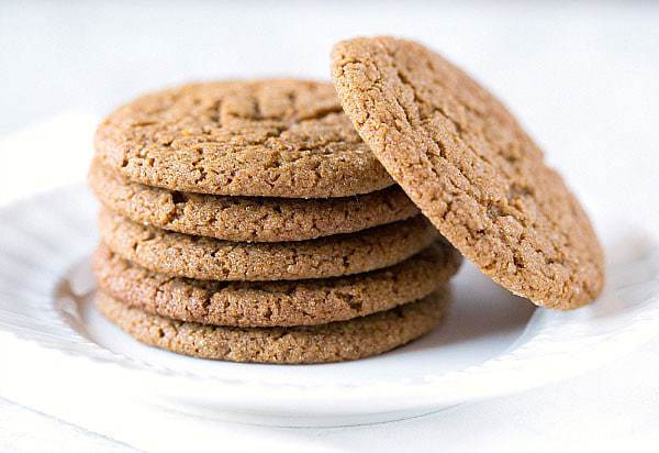 Soft and Chewy Molasses Spice Cookies :: 60 Favorite Fall Dessert Recipes