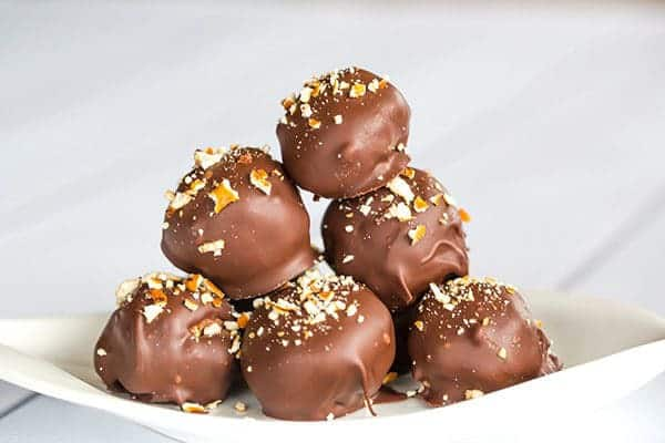 Nutella-Pretzel Truffles - Super easy and the perfect sweet/salty combination! | https://www.browneyedbaker.com/nutella-pretzel-truffles/
