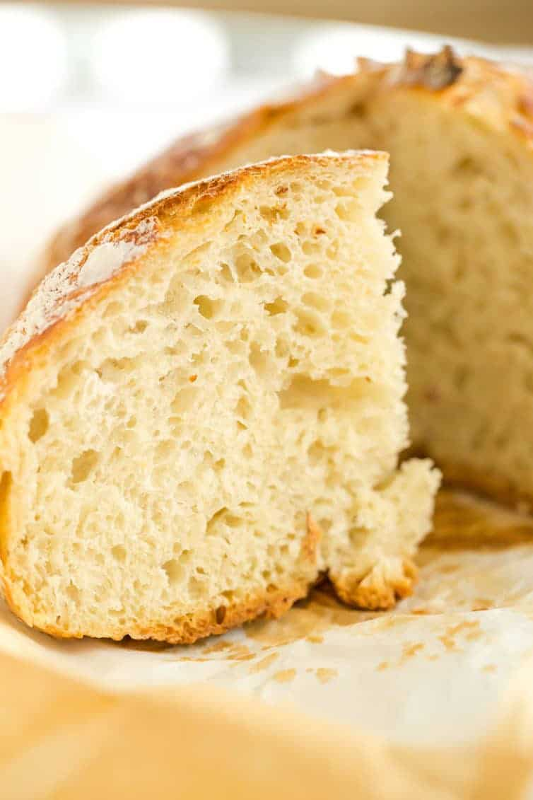 No Knead Bread - This classic recipe from Jim Lahey is easy, requires minimal handling, and is a great recipe for beginner bread bakers.