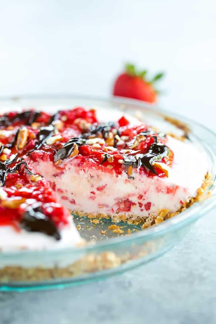 gorgeous Pretzel Strawberry Ice Cream Pie - super refreshing!