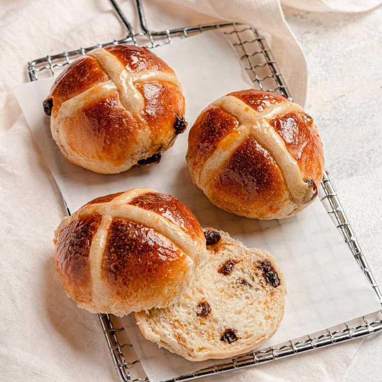 Hot Cross Buns Brown Eyed Baker